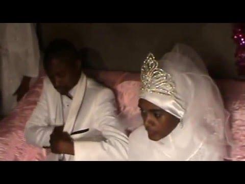 Oukoumbi de Toiouilou Mahmoud & Faouzia Mbaraka Partie 2