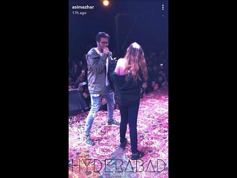 Asim Azhar giving surprise to his fans.