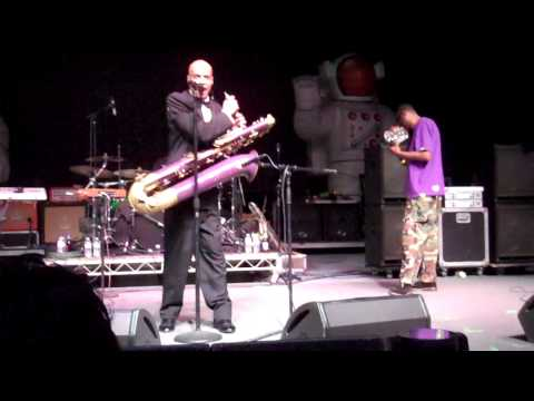 Fishbone - Modern Industry (Live LA, Greek Theatre, Jun 8, 2012)