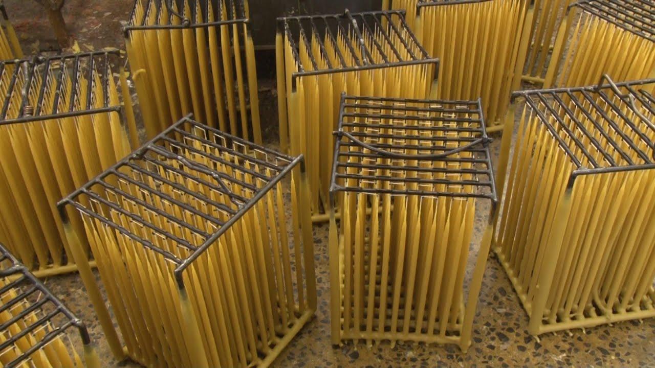 Свечной фитиль, используемый для производства православных свечей, изготолен из. Также вы можете купить восковые свечи, парафиновые свечи.