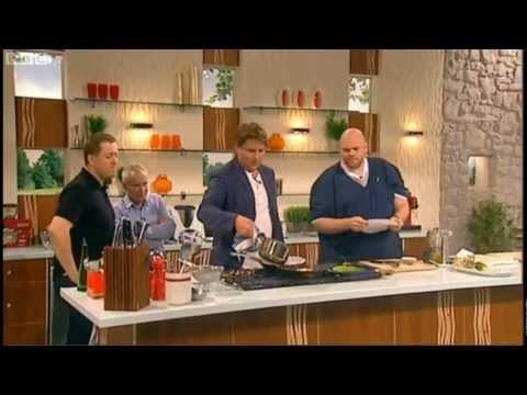 James Martin cooks Pan roasted duck for Nik Kershaw