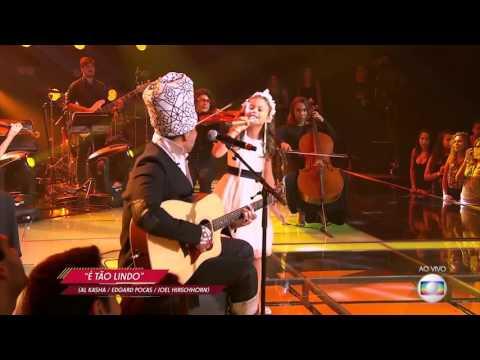 Carlinhos Brown e Rafa Gomes cantam 'É tão lindo' no The Voice Kids - Final1ª Temp