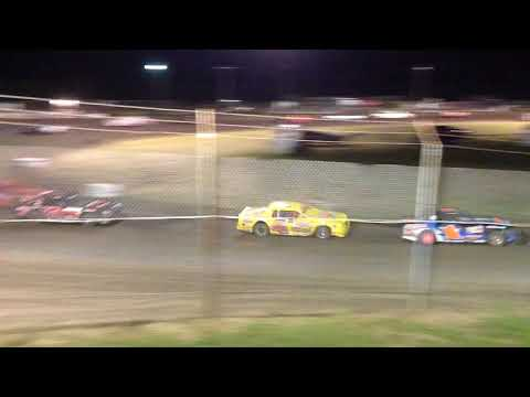 Superbowl Speedway Factory Stock Feature 8/26/17