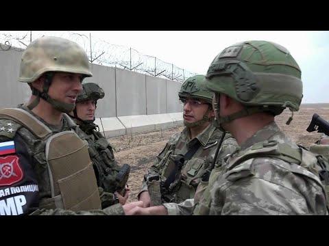 Смотреть Первый российско-турецкий патруль военной полиции успешно выполнил задачу на севере Сирии. онлайн