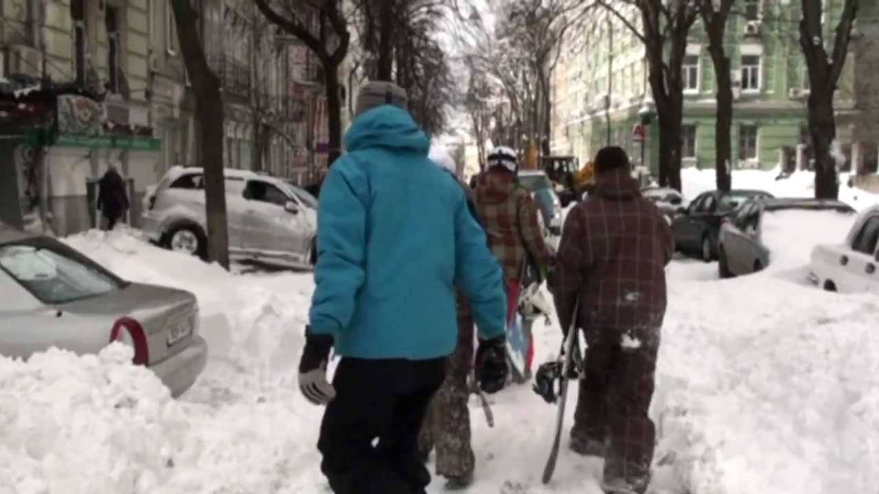 Snowboarding in the city, 24.03.2013 Kiev / Сноубординг Андреевский спуск Киев 24 марта 2013