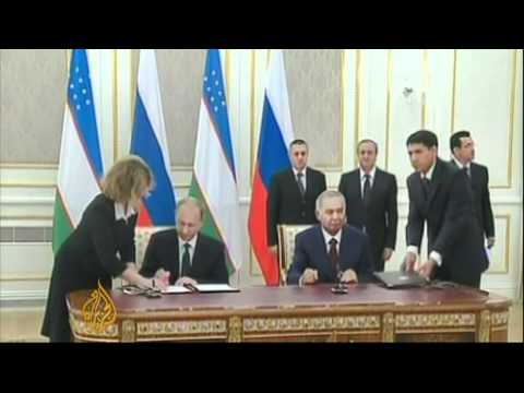 Putin edges towards Eurasian Union