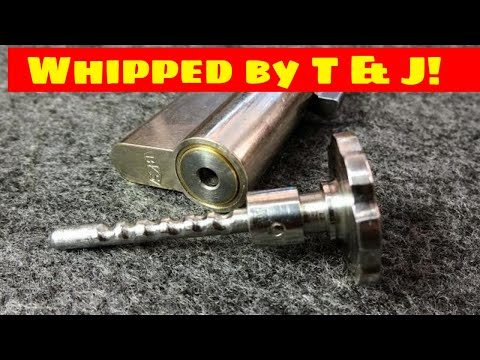 Взлом отмычками --   (1032) Whipped by T&J