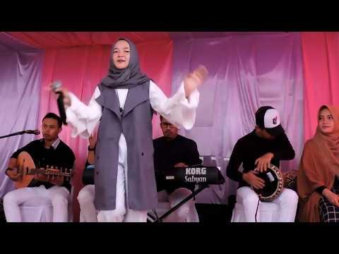 sabyan-gambus-live---qillil-asyikin