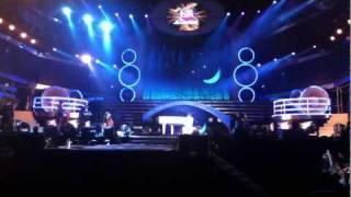2012高雄義大世界跨年晚會 林俊傑 - 她說(鋼琴彈奏)