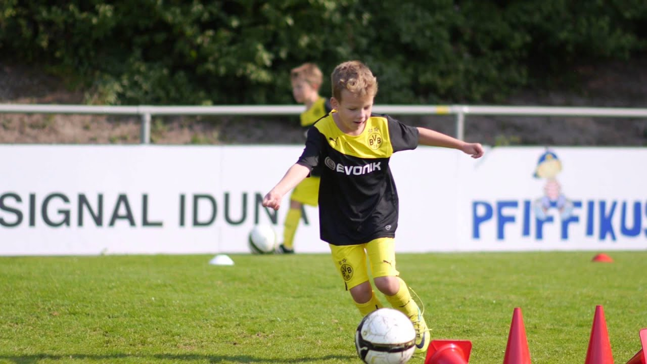 Trailer BVB Evonik Soccer School