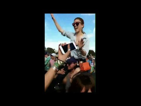 Richard Madden, Rose Leslie & Kit Harington dancing at Glastonbury Festival 2017
