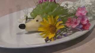 Блюда для детского праздника. Ёж из груши на детский праздник.