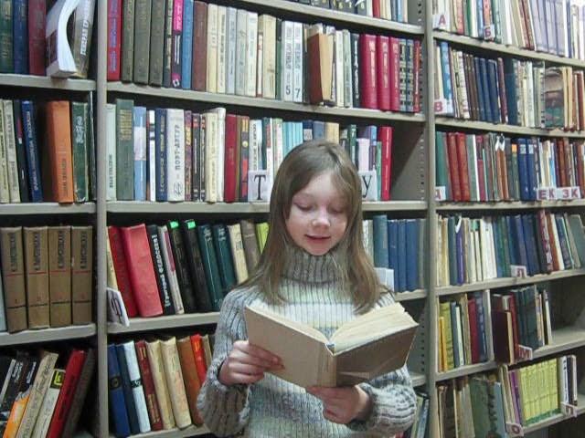 Изображение предпросмотра прочтения – КаринаИзраилева читает произведение «Голоса скрипок» А.А.Блока