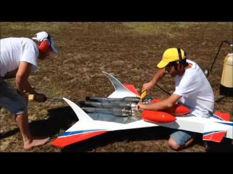 Tri pulsejet 183 mph / Tripulso à 300 km/h