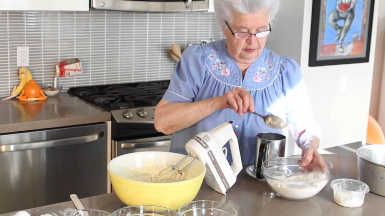 Cooking With Oma - Guglhupf - YouTube