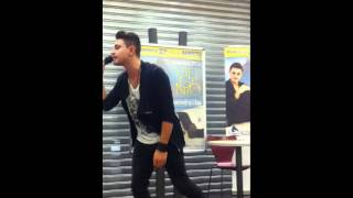 """Virginio Simonelli canta """"Sale"""" - Destriero Shopping Center (Vittuone) - 27/11/"""