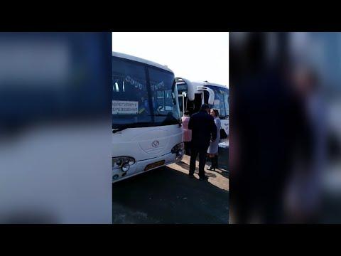 Житомир.info | Новости Житомира: Голова Черняхівської РДА зі списком перевіряє готовність автобусів, які їдуть у Київ- Житомир.info