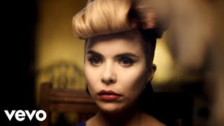 Watch Paloma Faith Picking Up The Pieces video