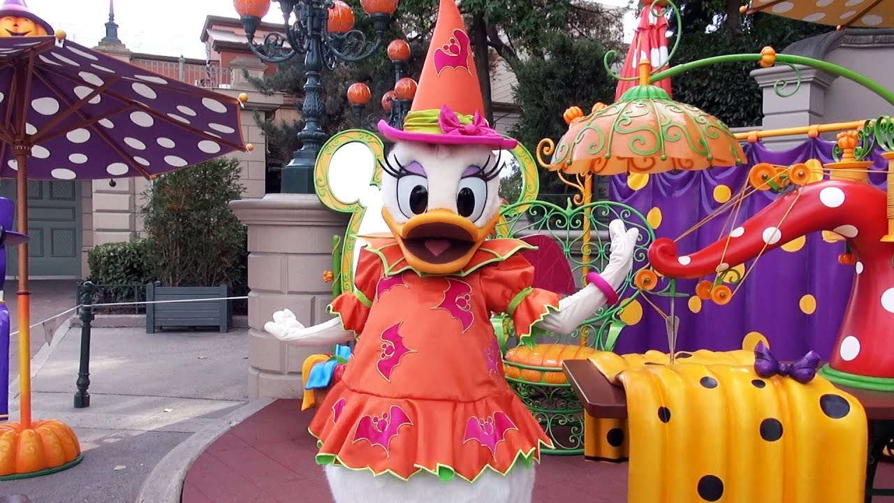 daisy duck halloween meet and greet at disneyland paris. Black Bedroom Furniture Sets. Home Design Ideas