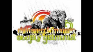 Dj Giamma Vol. 32 - MAMAMIA Club 2010 - Different Music - BMS