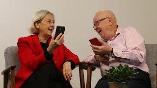 Gamlingar läser SMS-förkortningar