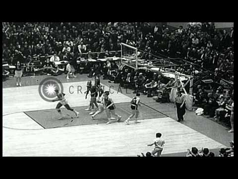 Championship game between Loyola and Cincinnati in Men's Division I Basketball to...HD Stock Footage