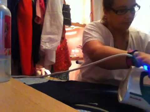 ASMR Ironing (steam and water bottle spraying )