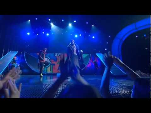 Chris Brown   Turn Up The Music (Live At 2012 Billboard Music Awards)