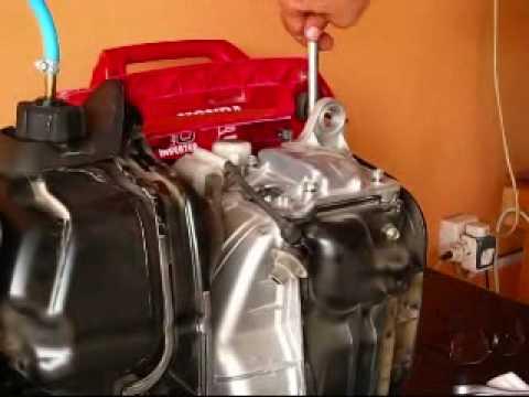 Honda EU2000i Valve Adjustment 2 0f 5