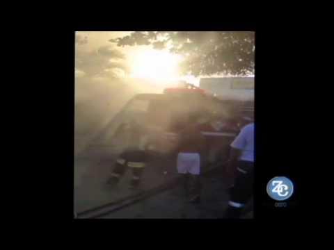 Se incendió bus alimentador de Transmetro en el barrio Hipódromo