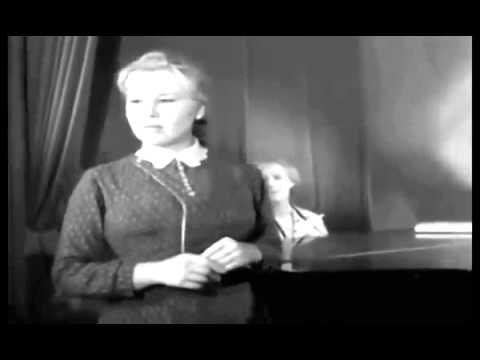 Приходите завтра исполняет Бурлакова Фрося (Екатерина Савинова)