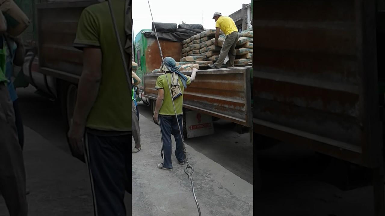 Descargando cemento selva alegre