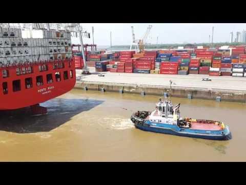 Puerto de buenos aires atraque de un barco de contenedores youtube - Contenedores de barco ...