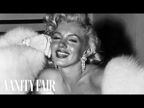 Marilyn Monroe - The Secrets to Her Unique Fashion & Style on Vanity Fair Hollywood Style Star