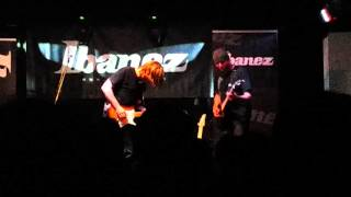 Andy Timmons jamming with Peta Lukács at Ibanez Day (Gödör Klub, Budapest HU)