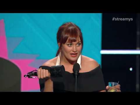 Ian Hecox, Mari Takahashi Present the Acting in a Comedy Award to Mamrie Hart  - Streamys 2017