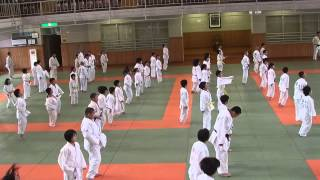 Entraînement des jeunes au KODOKAN, échauffement, ukemi
