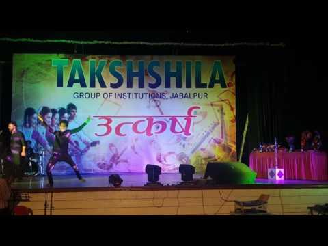 Malhari dance performance by the Mohit Namdeo