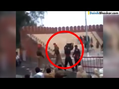 SHOCKING! India Pakistan Soldiers Fight During Ceremony at Border | Video Goes Viral