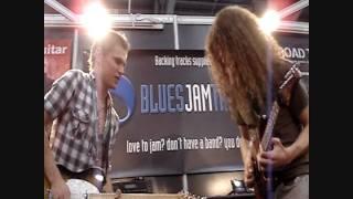 Guthrie Govan & Ben Poole  Blues Jam