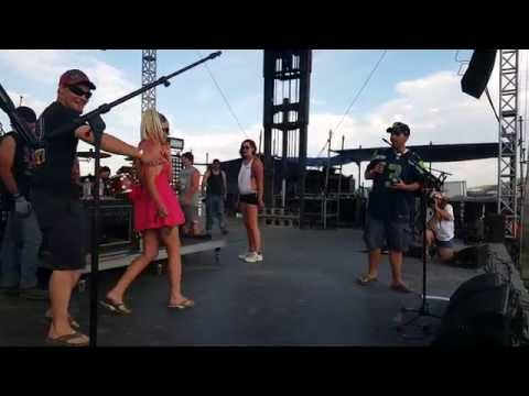 Missoula couple gets engaged at 2015 Headwaters Country Jam