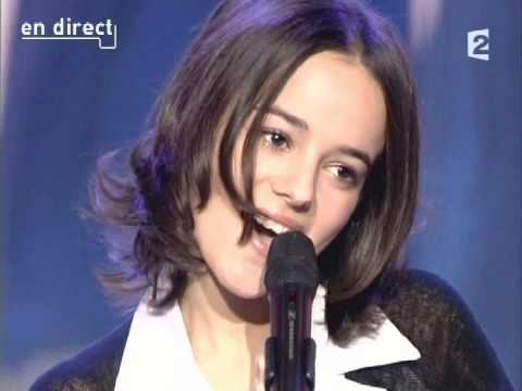 "Alizee ""Ella, Elle l'a"" 2003 tribute to France Gall!"