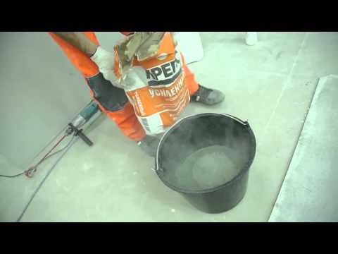 Замешивание клеевой смеси и укладка напольной плитки с применением клея для плитки КРЕПС УСИЛЕННЫЙ
