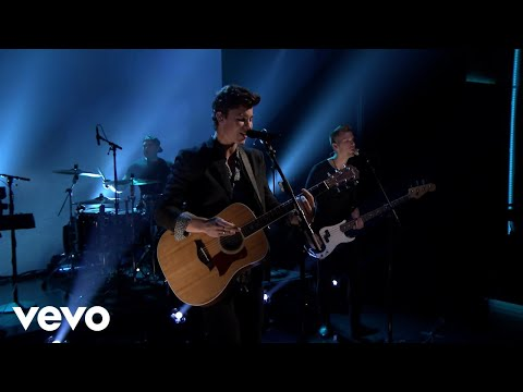 There † s Nothing Holdin † Me Back (Live On The Tonight Show Starring Jimmy Fallon)