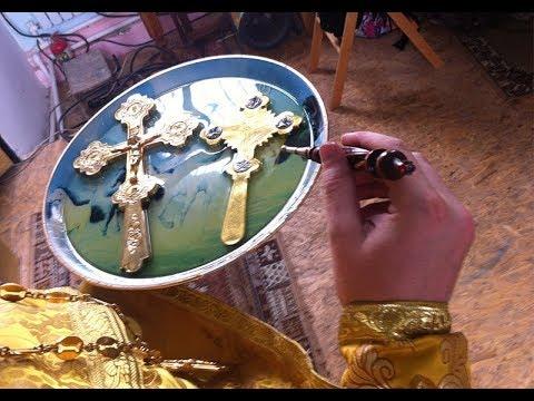 ЧУДО И ЗНАМЕНИЕ БОЖЕЕ. В храме замироточили кресты и иконы