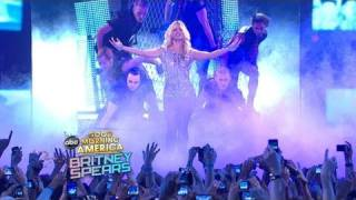 Baixar - Britney Spears Performs Hold It Against Me On Gma 03 29 11 Grátis
