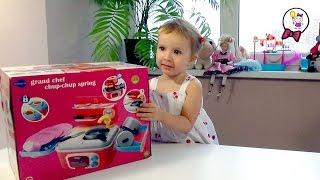 Детская игрушечная кухня распаковка и видео обзор игрушек ItsImagical. Children's toy kitchen(Распаковка и обзор игрушек ItsImagical - детская игрушечная кухня с приборами, посудой, продуктами для готовки...., 2015-11-24T10:18:57.000Z)