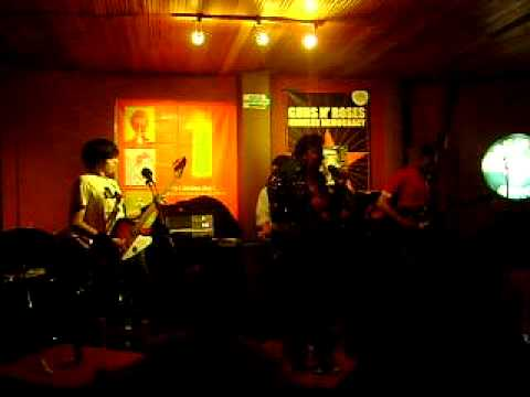 marco tulio en rock and roll miusic cafe en bogota
