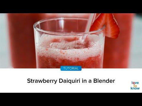 How do you make a strawberry daiquiri in a blender