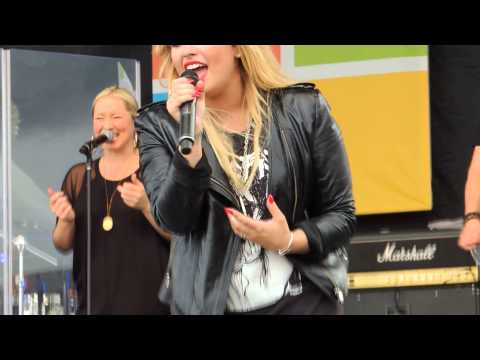 Two Pieces - Demi Lovato (Live Microsoft 9/21/13)
